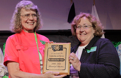 volunteer receiving award